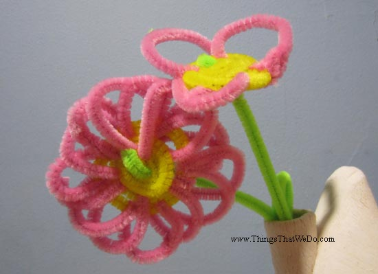 thingsthatwedo.com pic - pipecleaner flower