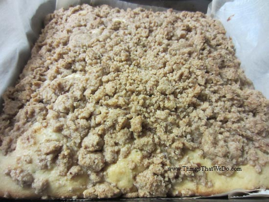 thingsthatwedo.com pic - streusel coffee cake from Dec 2015