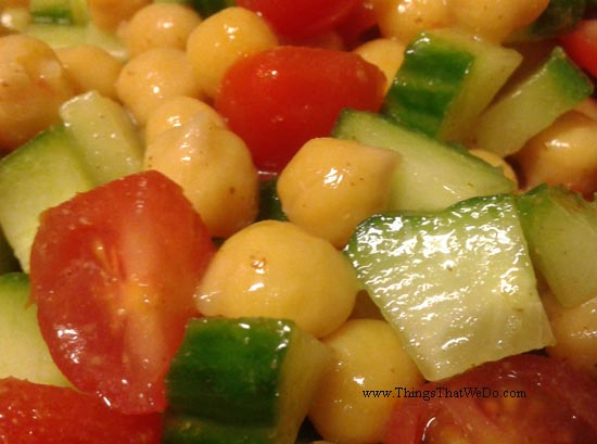 thingsthatwedo.com pic - chickpea tomato cucumber salad